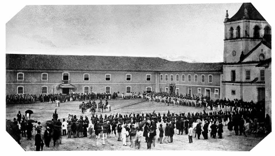 1862 Largo do Palácio, 1862 (atual ladeira General Carneiro). (Militão Augusto de Azevedo)